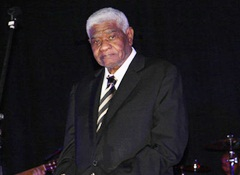 Honras fúnebres ao cantor acontecem no Mindelo