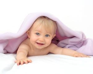 Cor dos olhos do bebé à escolha em clínica norte-americana