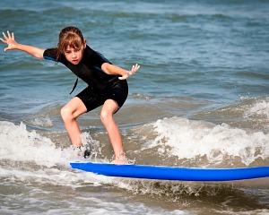 criancas e o surf.jpg