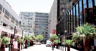 Na Cidade do Cabo há famílias que têm convénio com as escolas de inglês  para acolher os estudantes estrangeiros que pretendem pôr em prática os ... 72d28ea90b