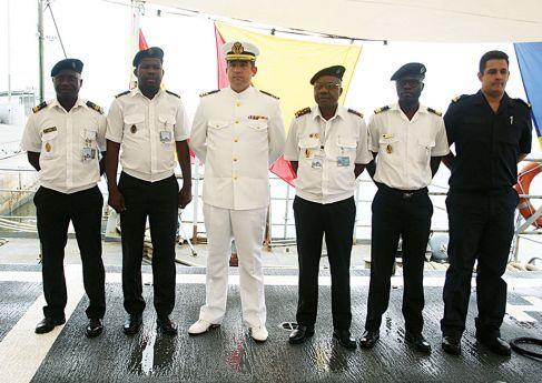 feea223ae0 Oficiais da Marinha abordam segurança | Política | Jornal de Angola ...