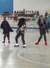 """Grupo de dança pop """"Hamilton Jackson"""" precisa de apoios 20110201140144perna"""