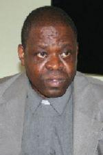 Governo  satisfeito  pela nomeação do Padre Matumona