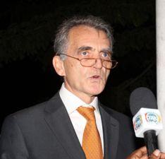 Embaixador da França espanca guarda
