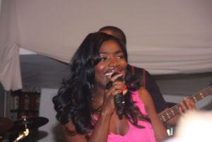Musicas só Angolanas - Página 11 20110930133442perola