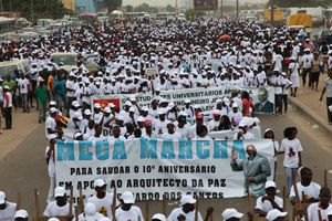 Luanda Noticias Frescas - Página 14 20120401080213meg_m