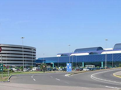 Novo aeroporto internacional de Luanda terá 1ª fase pronta em 2012